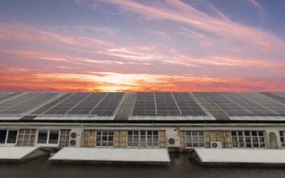 Instalación de placas solares.